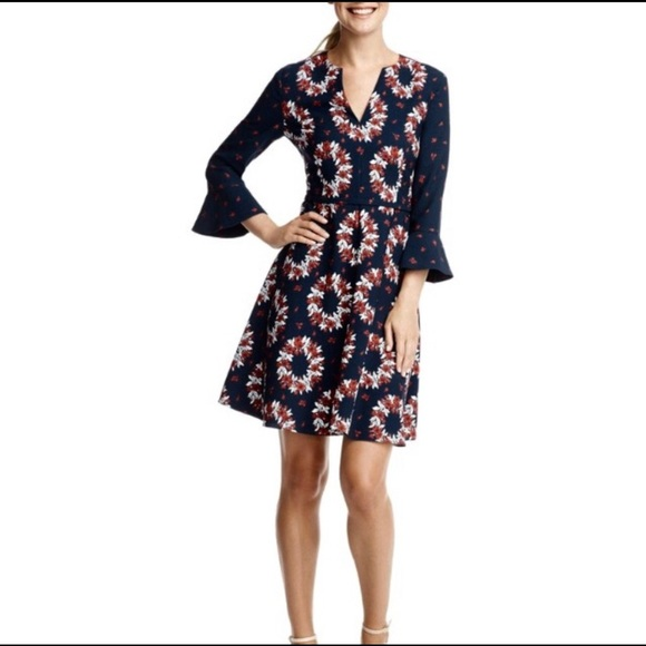 Draper James Dresses & Skirts - Draper James Wreath Witherspoon dress